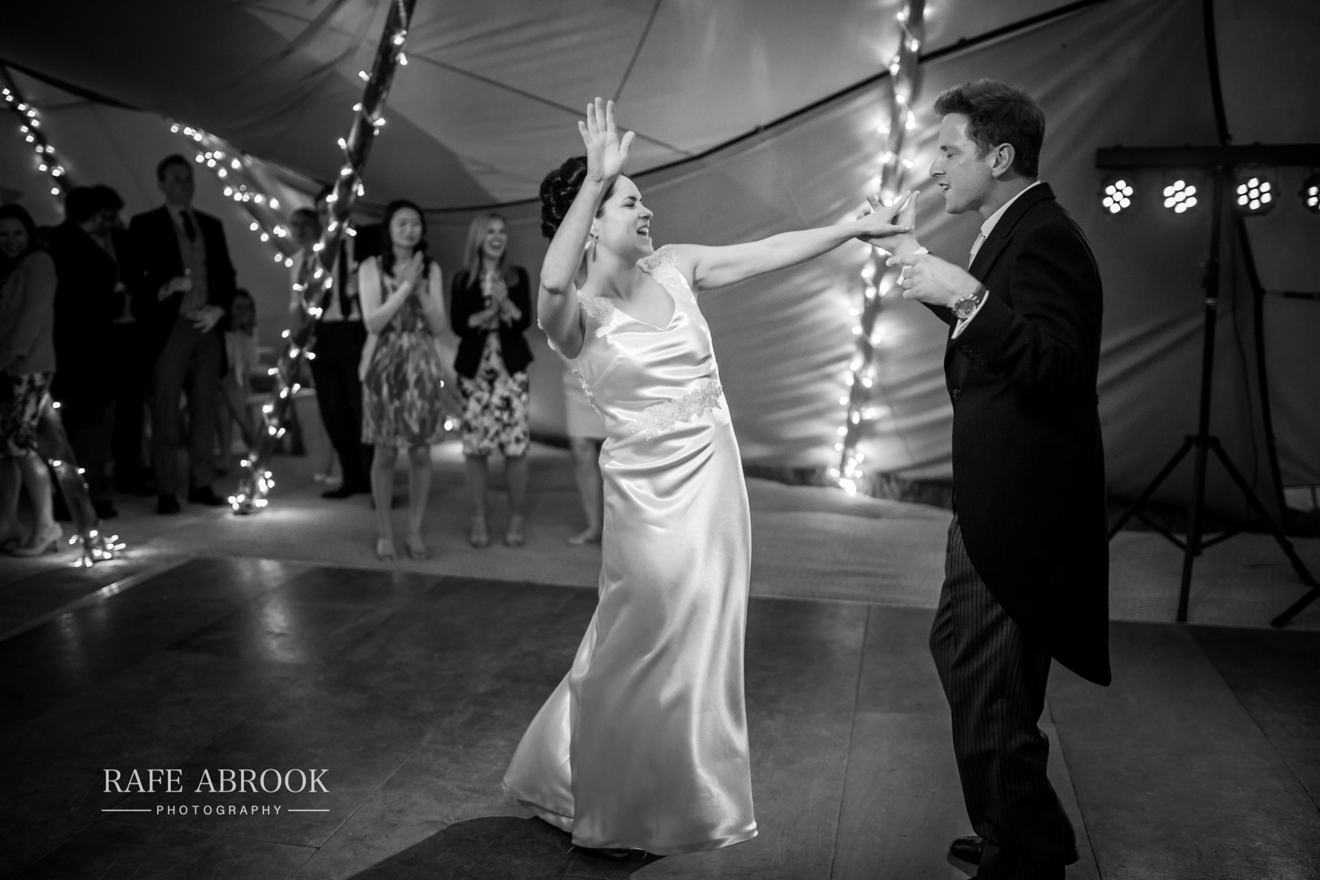 sam & alison watkins hall farm hertford hertfordshire wedding photographer-1445.jpg