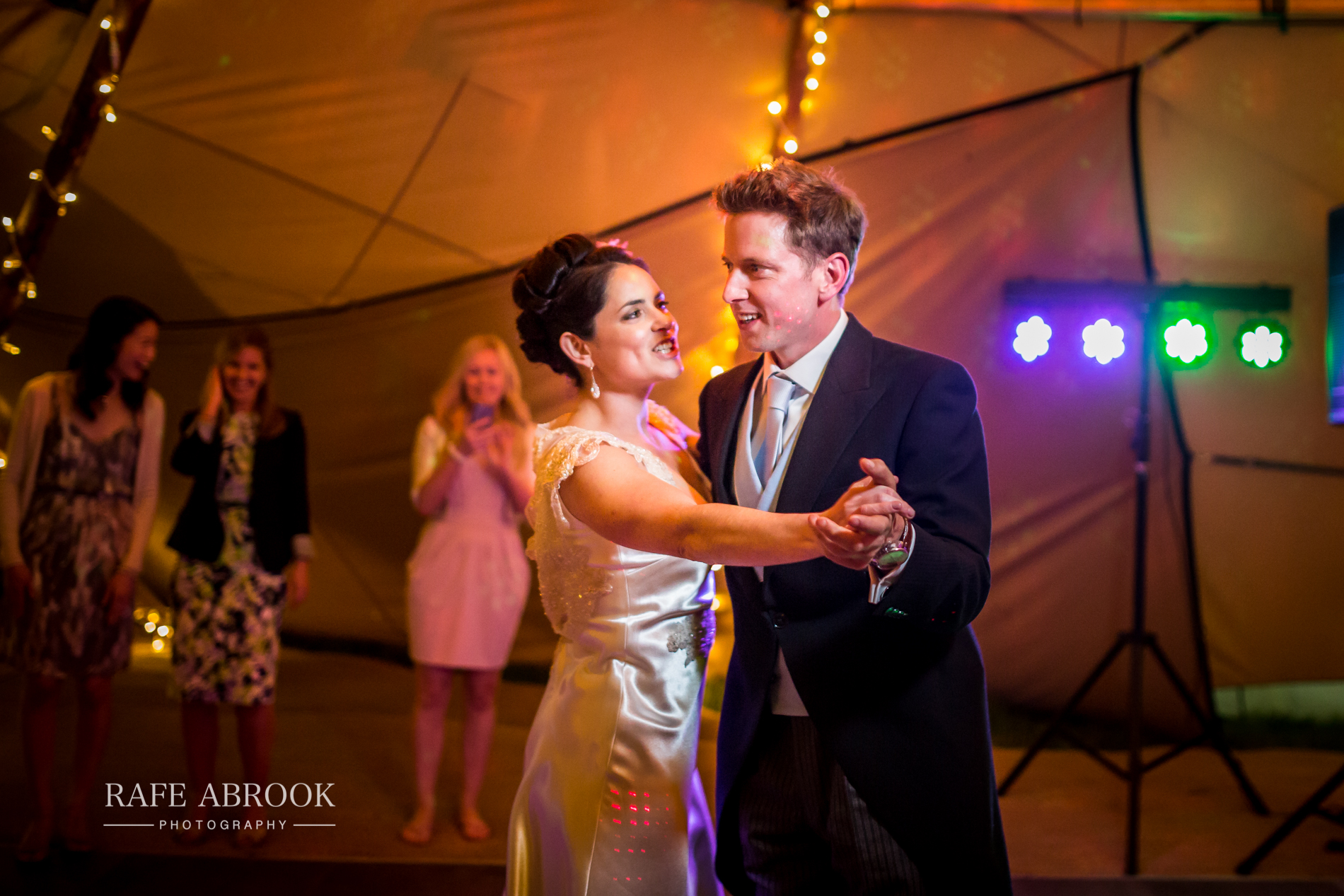 sam & alison watkins hall farm hertford hertfordshire wedding photographer-1442.jpg