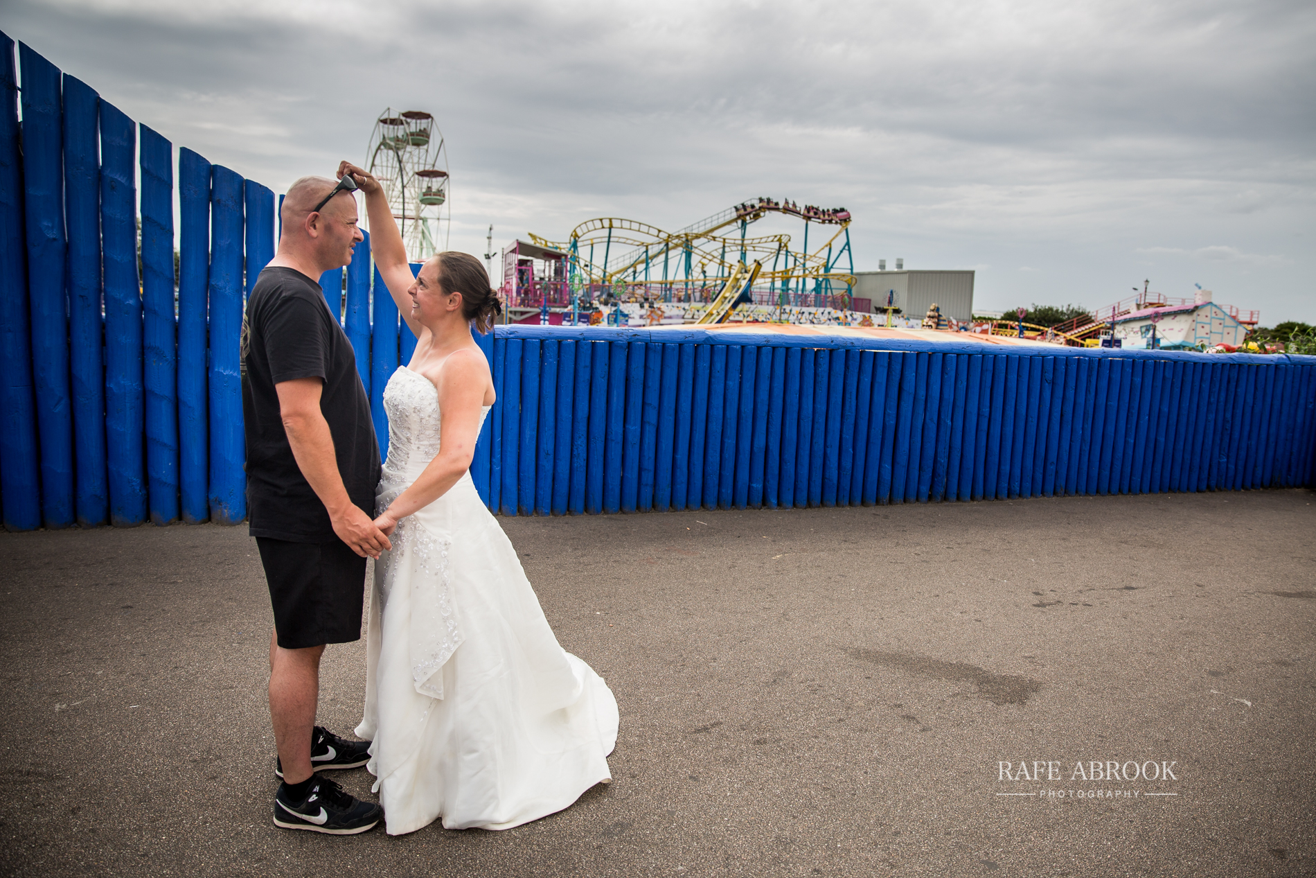 hillary & jeff trash the dress southend-on-sea essex hertfordshire wedding photographer-1002.jpg