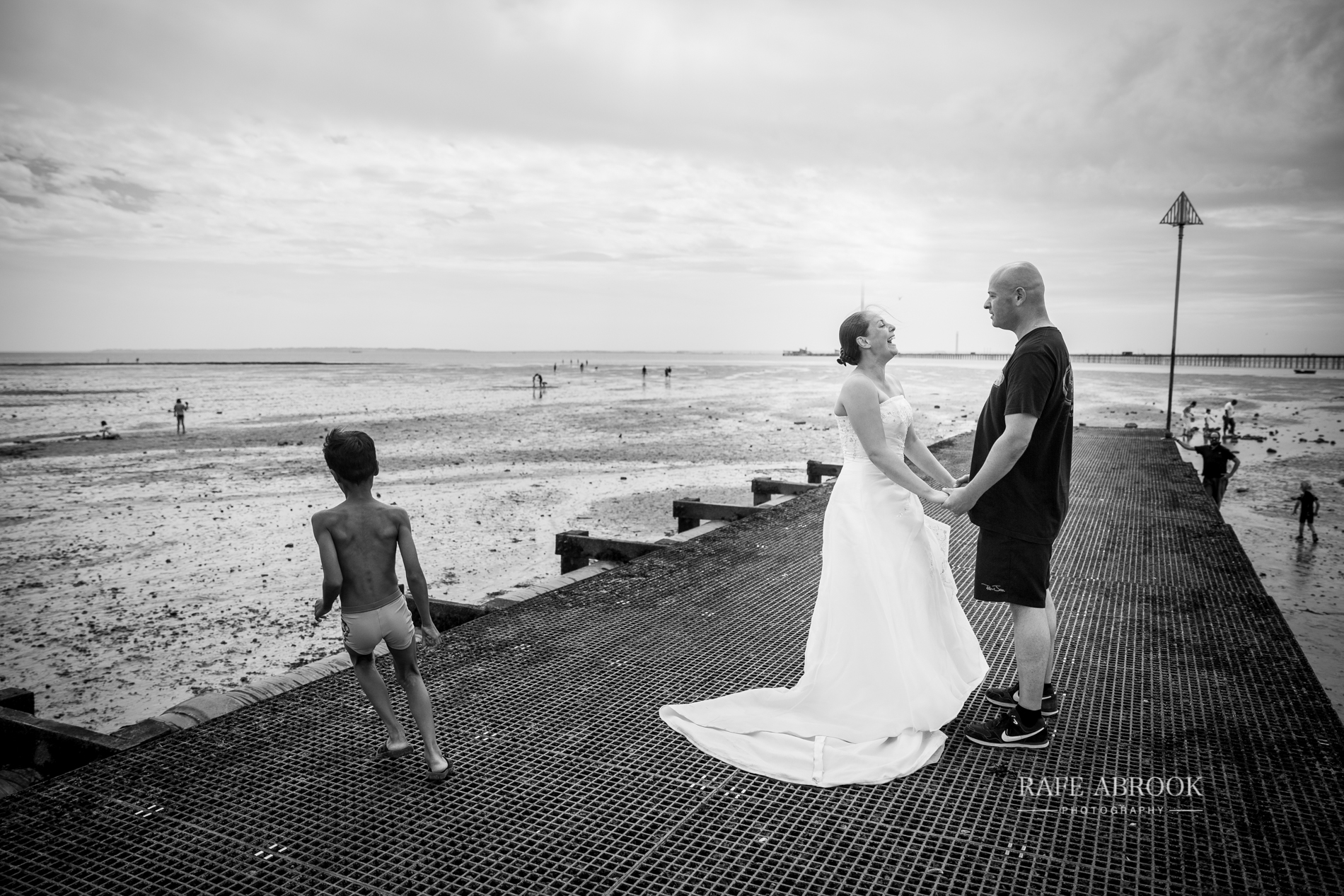 hillary & jeff trash the dress southend-on-sea essex hertfordshire wedding photographer-1018.jpg