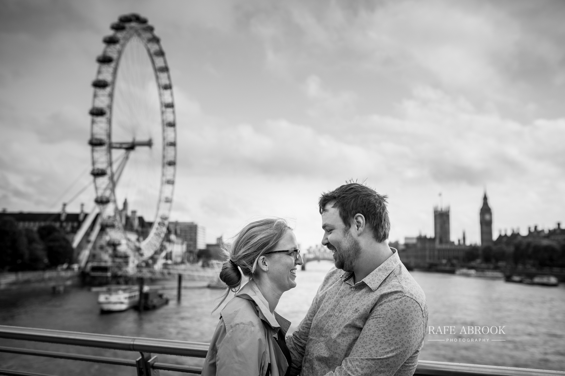 wedding photographer hertfordshire rafe abrook photography london city southbank engagement shoot-1025.jpg