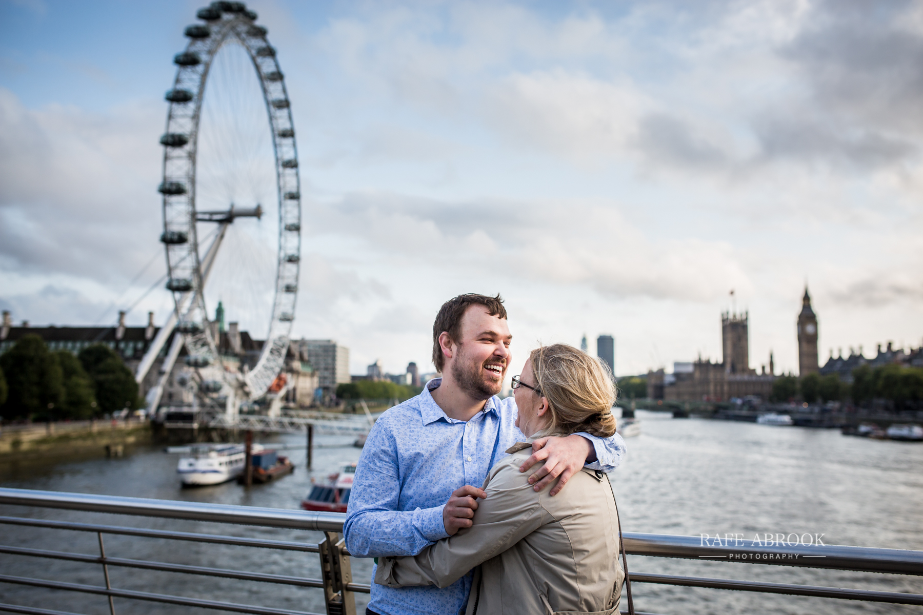 wedding photographer hertfordshire rafe abrook photography london city southbank engagement shoot-1023.jpg