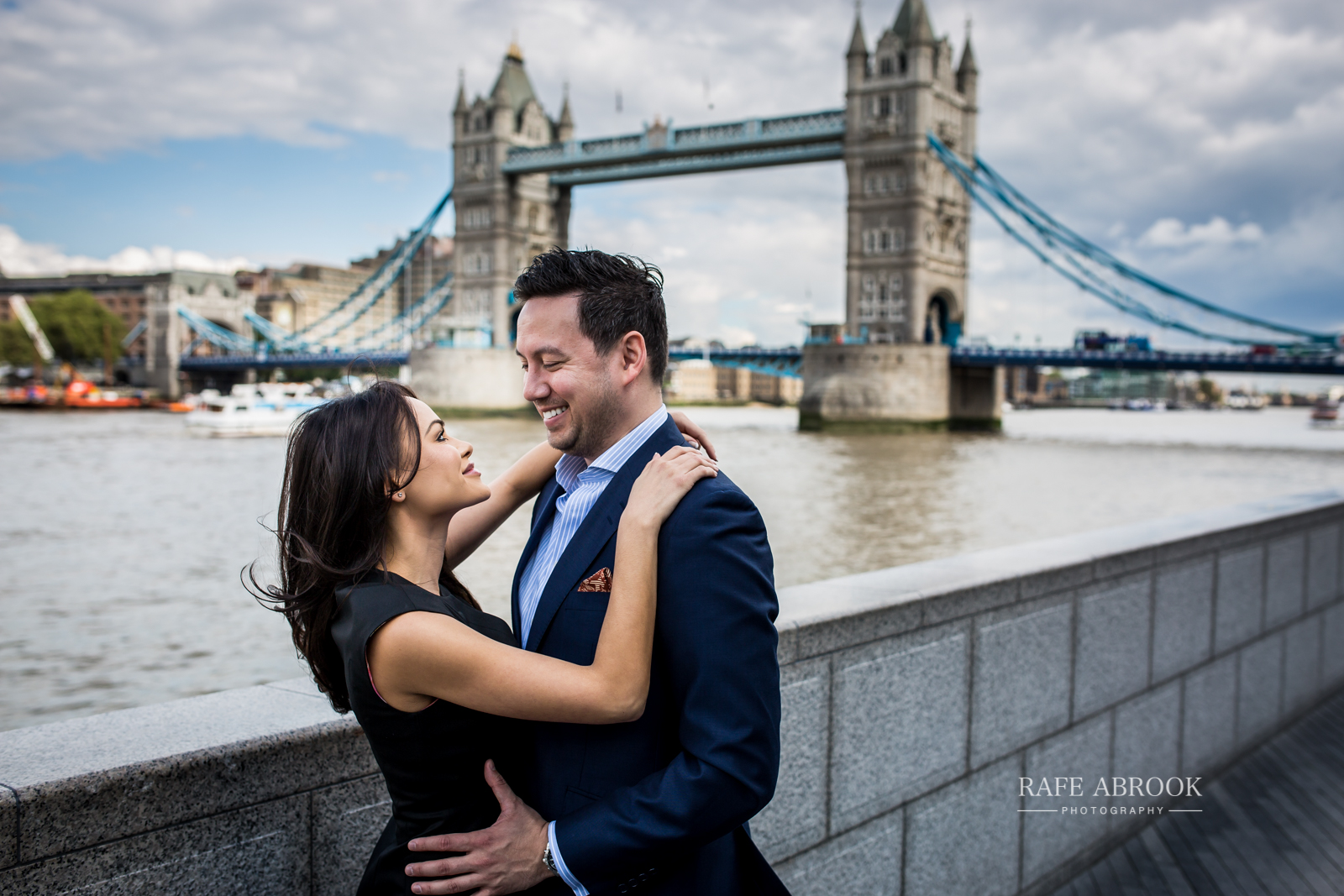 wedding photographer hertfordshire city of london southbank engagement shoot -1045.jpg
