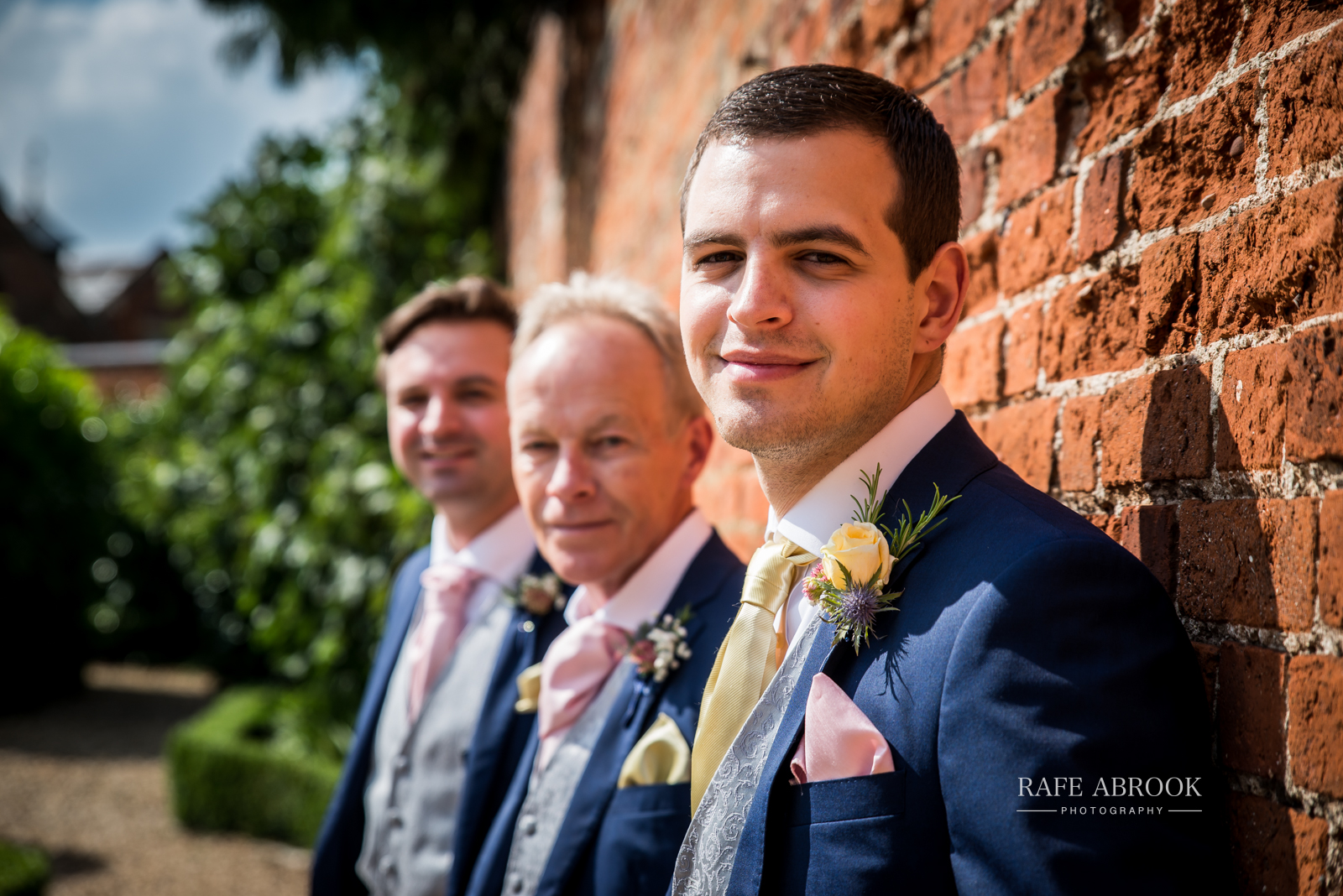 bassmead manor barns st neots cambridgeshire hertfordshire wedding photographer-1033.jpg