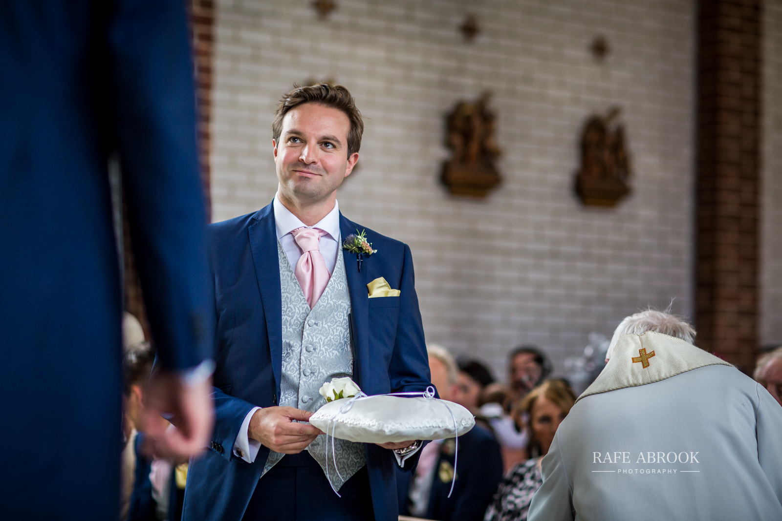 bassmead manor barns st neots cambridgeshire hertfordshire wedding photographer-1056.jpg