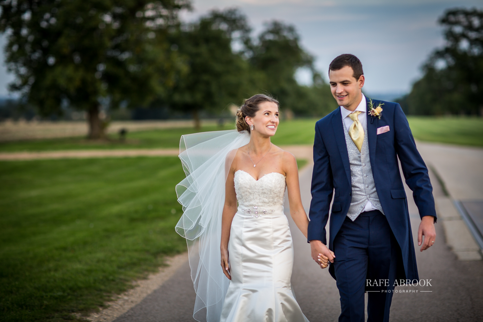 bassmead manor barns st neots cambridgeshire hertfordshire wedding photographer-1136.jpg