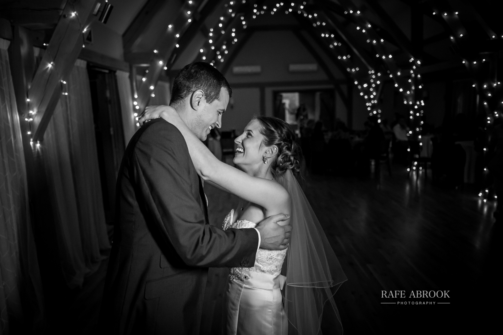 bassmead manor barns st neots cambridgeshire hertfordshire wedding photographer-1151.jpg