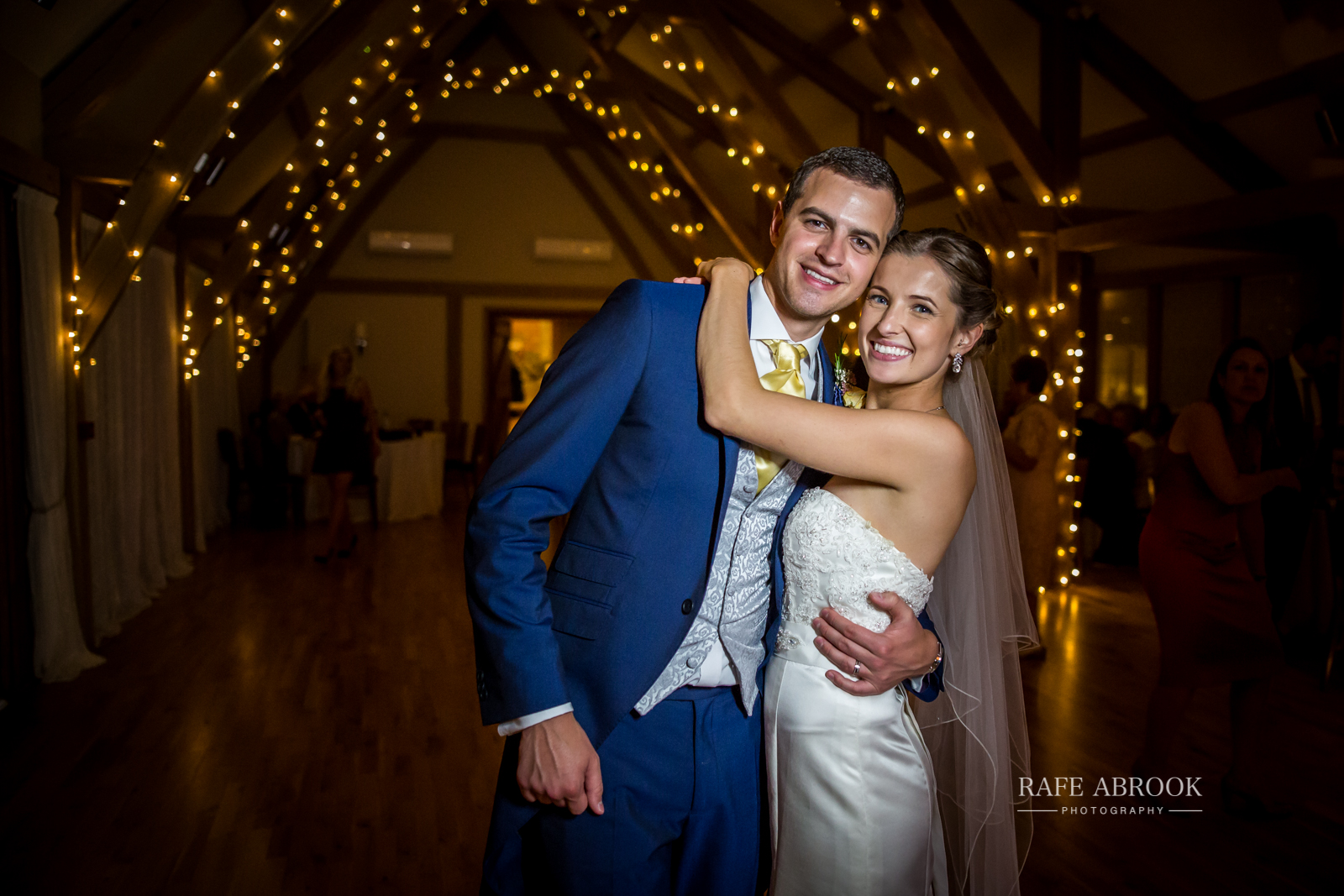 bassmead manor barns st neots cambridgeshire hertfordshire wedding photographer-1152.jpg