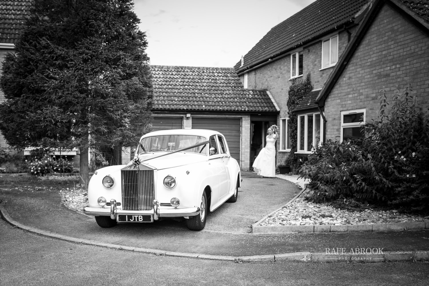 minstrel court wedding royston cambridge hertfordshire wedding photographer-1094.jpg