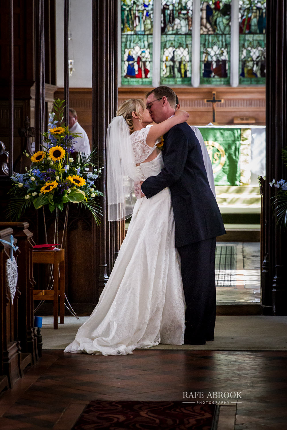 minstrel court wedding royston cambridge hertfordshire wedding photographer-1163.jpg