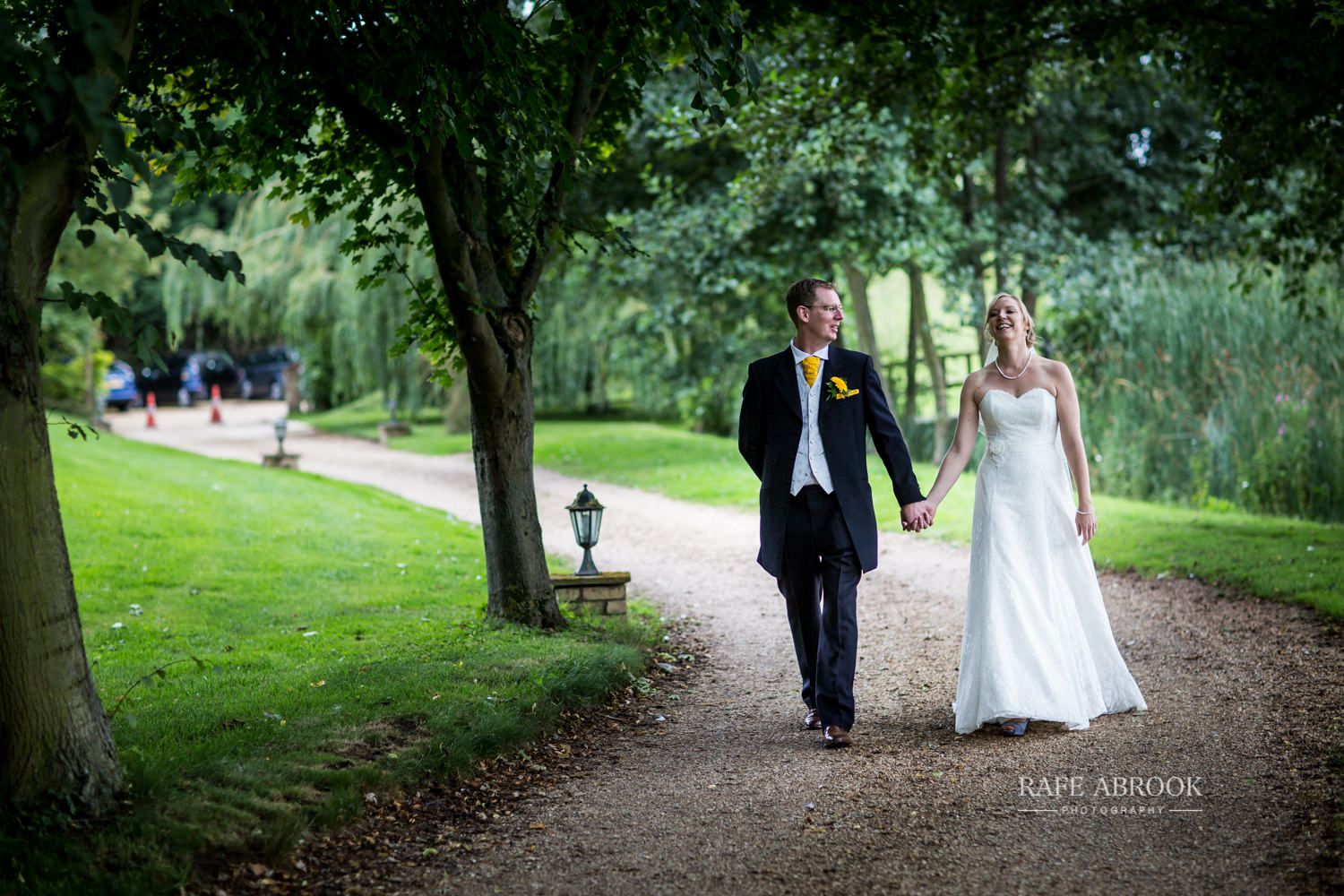 minstrel court wedding royston cambridge hertfordshire wedding photographer-1317.jpg