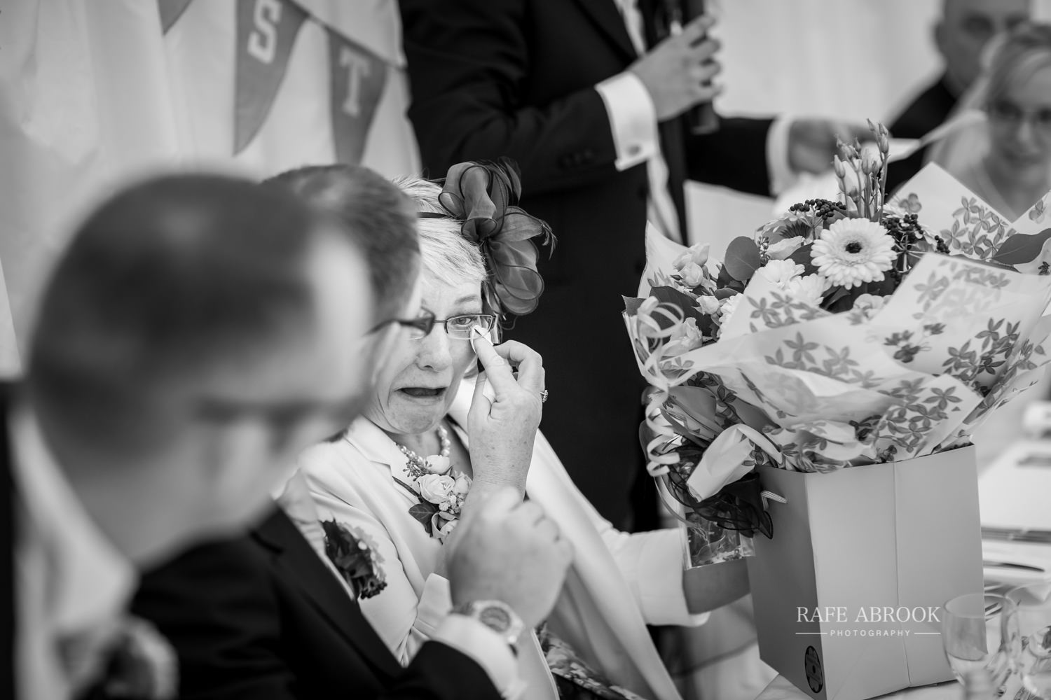 minstrel court wedding royston cambridge hertfordshire wedding photographer-1352.jpg