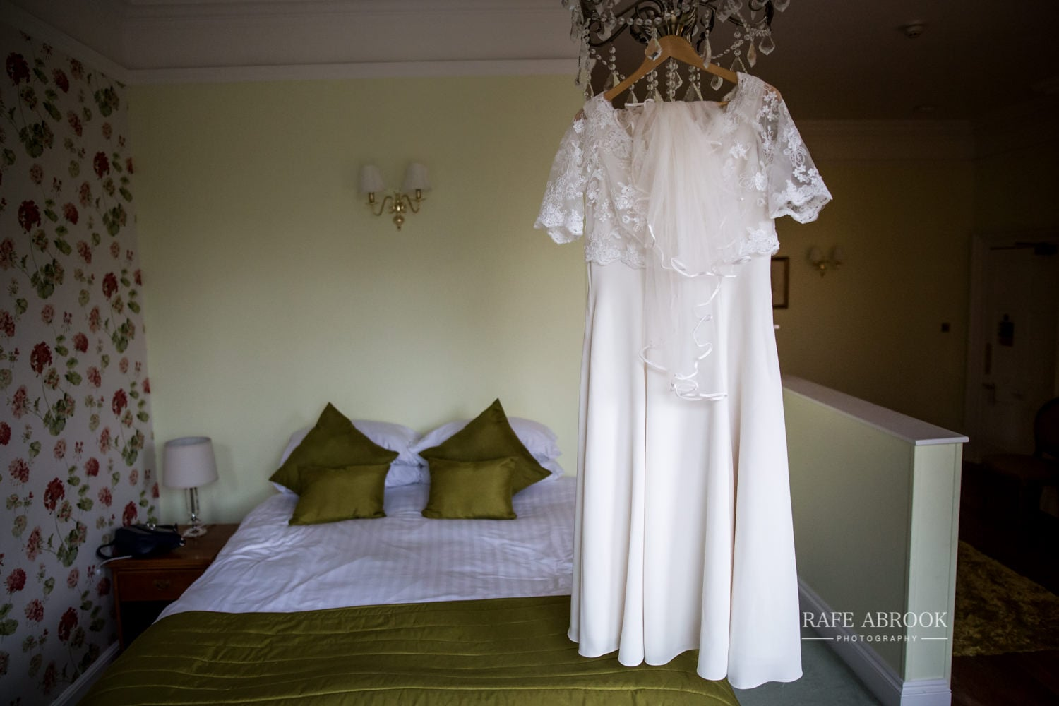 woodland manor hotel clapham bedford wedding hertfordshire wedding photographer-1017.jpg