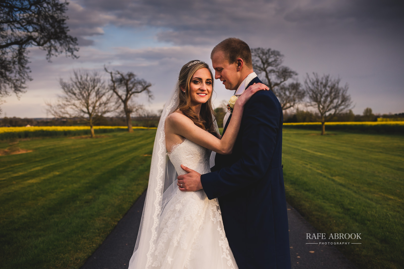 bassmead manor barns wedding st neots cambridgeshire hertfordshire wedding photographer rafe abrook-1713.jpg