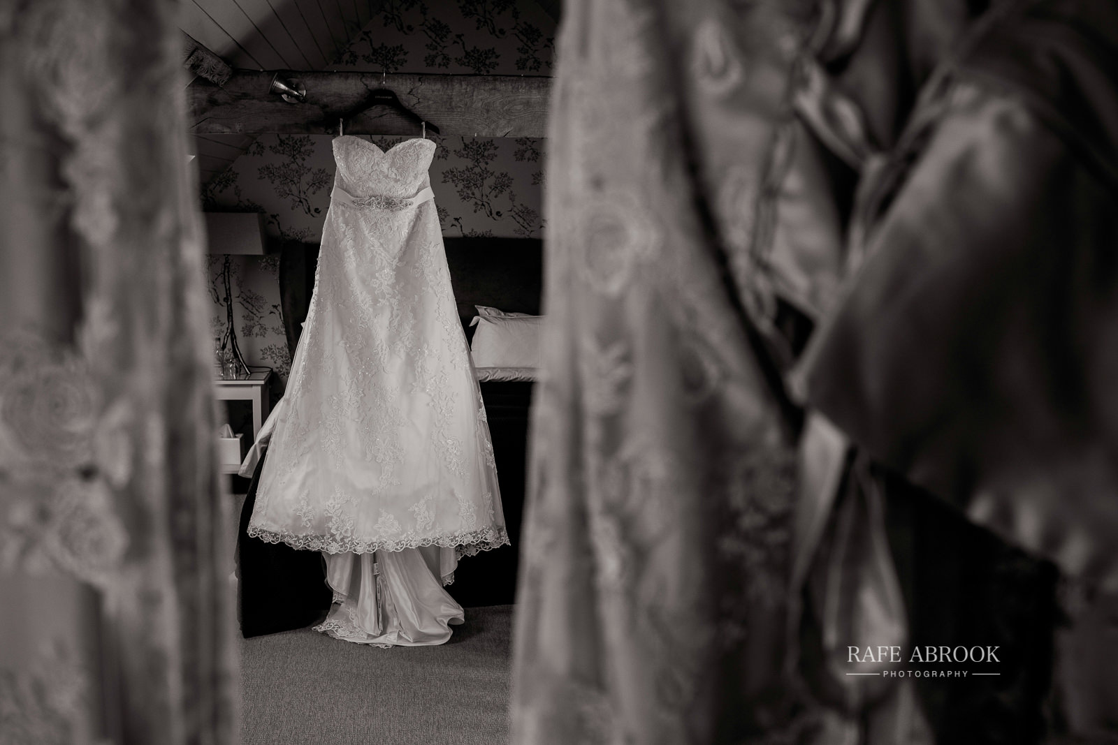south farm wedding royston hertfordshire wedding photographer rafe abrook photography-1011.jpg