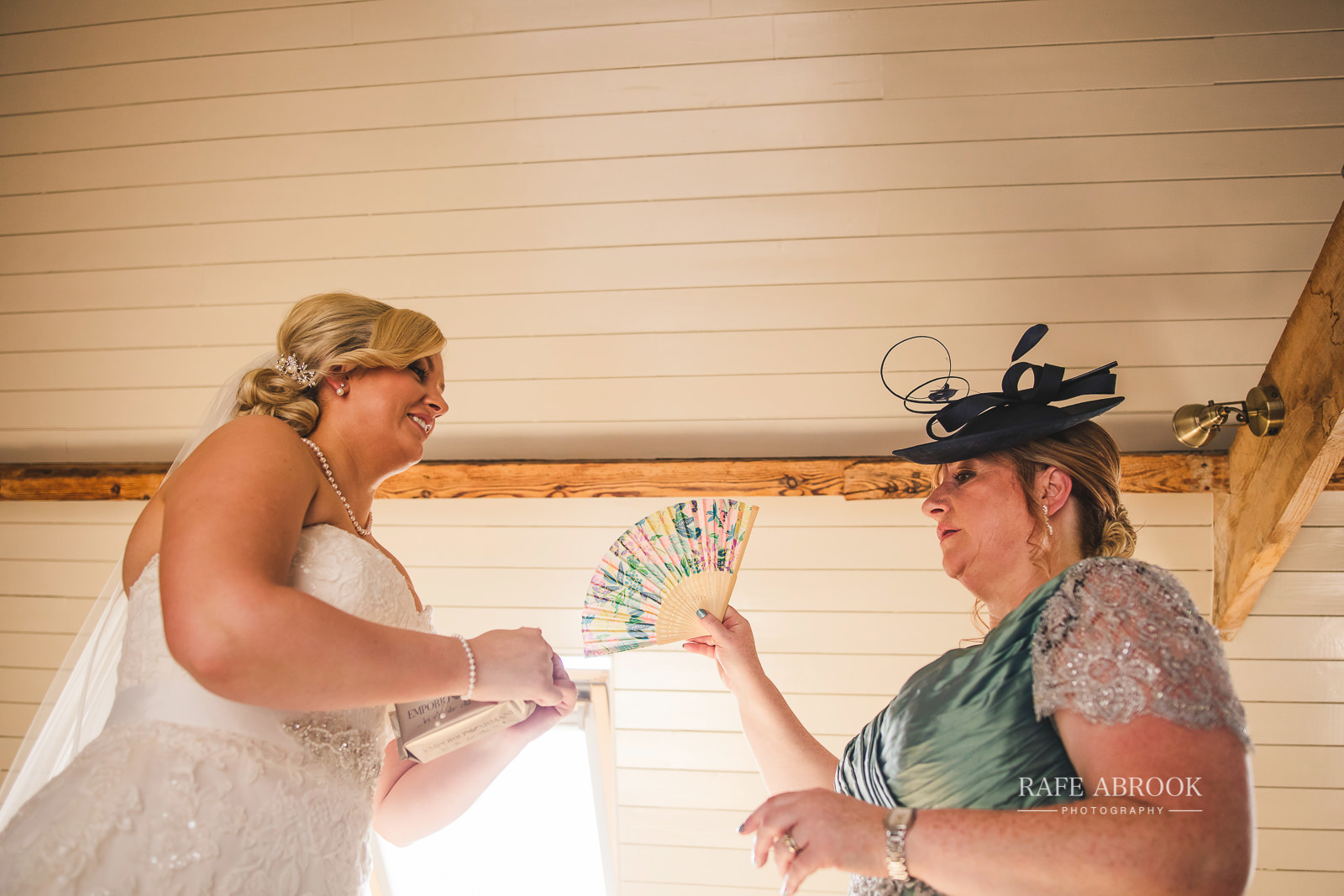 south farm wedding royston hertfordshire wedding photographer rafe abrook photography-1366.jpg