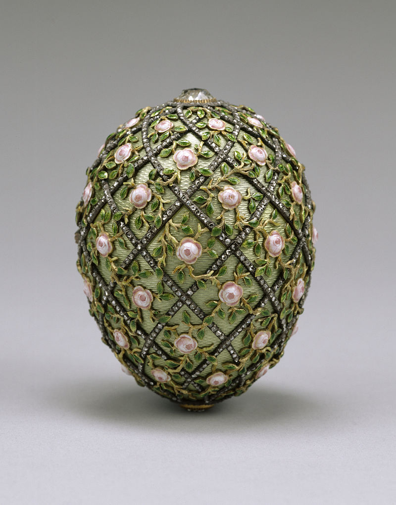 800px-House_of_Fabergé_-_Rose_Trellis_Egg_-_Walters_44501.jpg