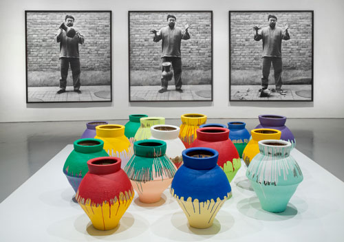 Ai-Weiwei-Dropping-a-Han-Dynasty-Urn-and-Colored-Vases1.jpg