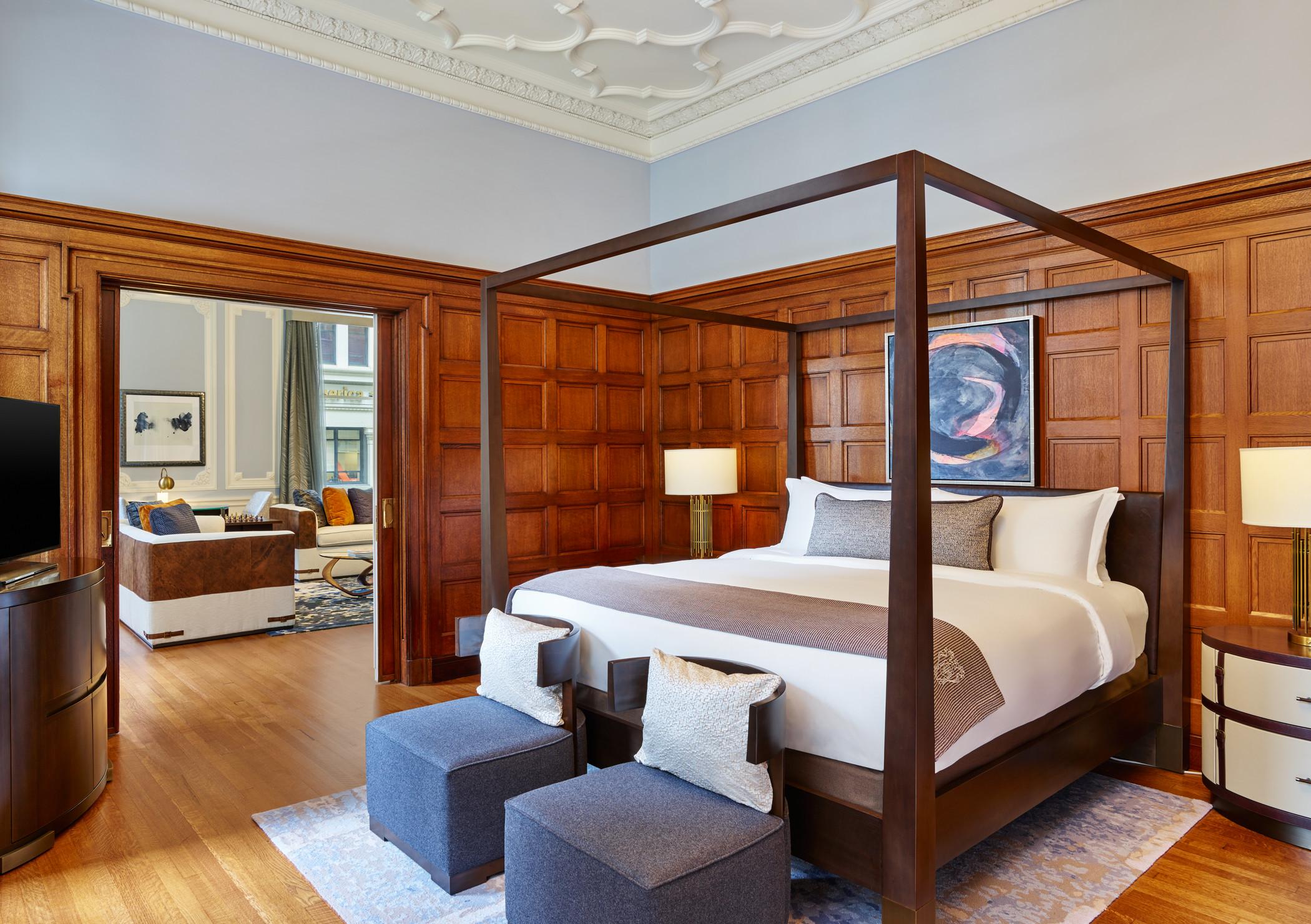 lux373gr-179304-State Suite Bedroom.jpg