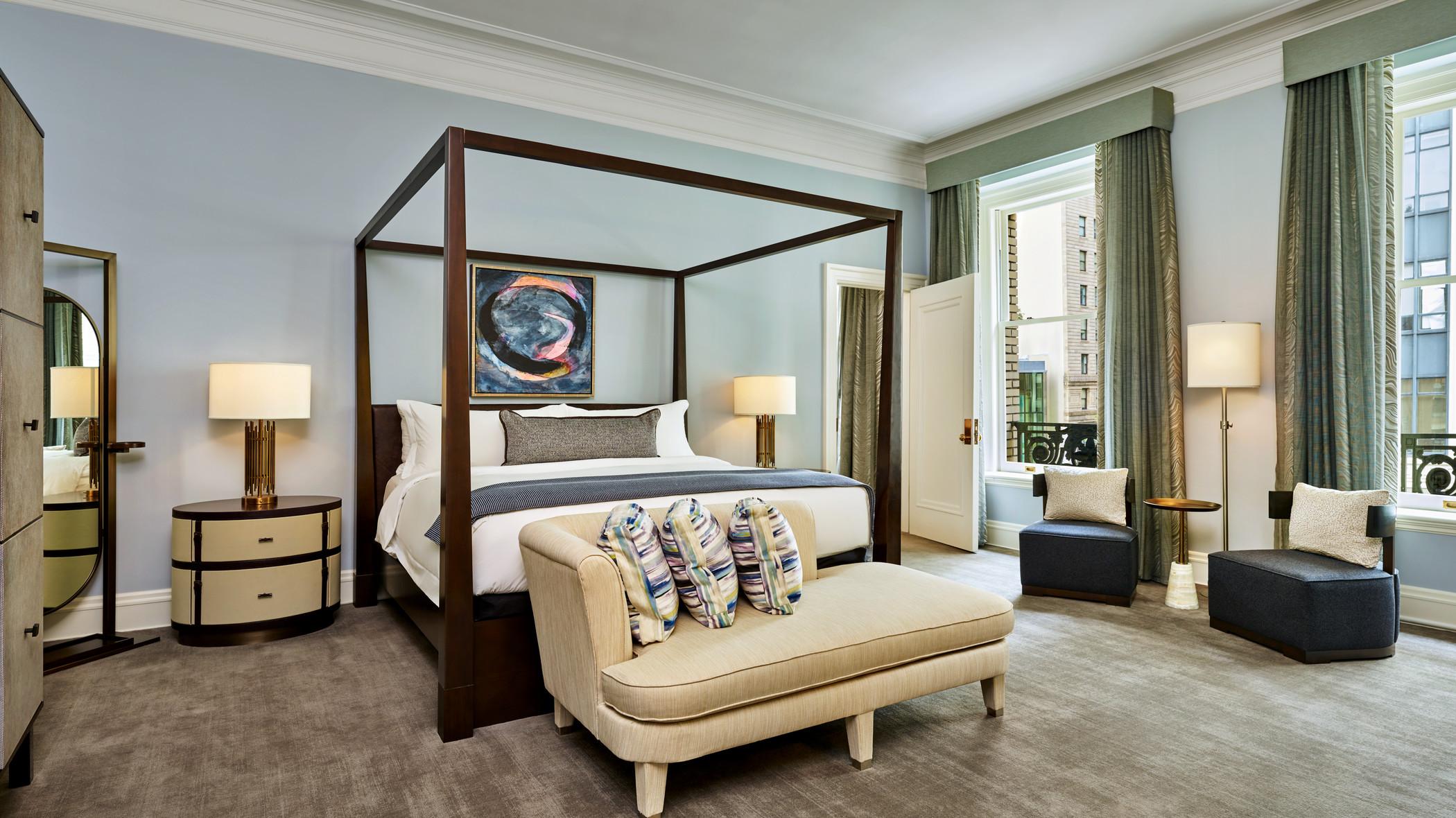 lux373gr-179294-Palace Suite Bedroom.jpg