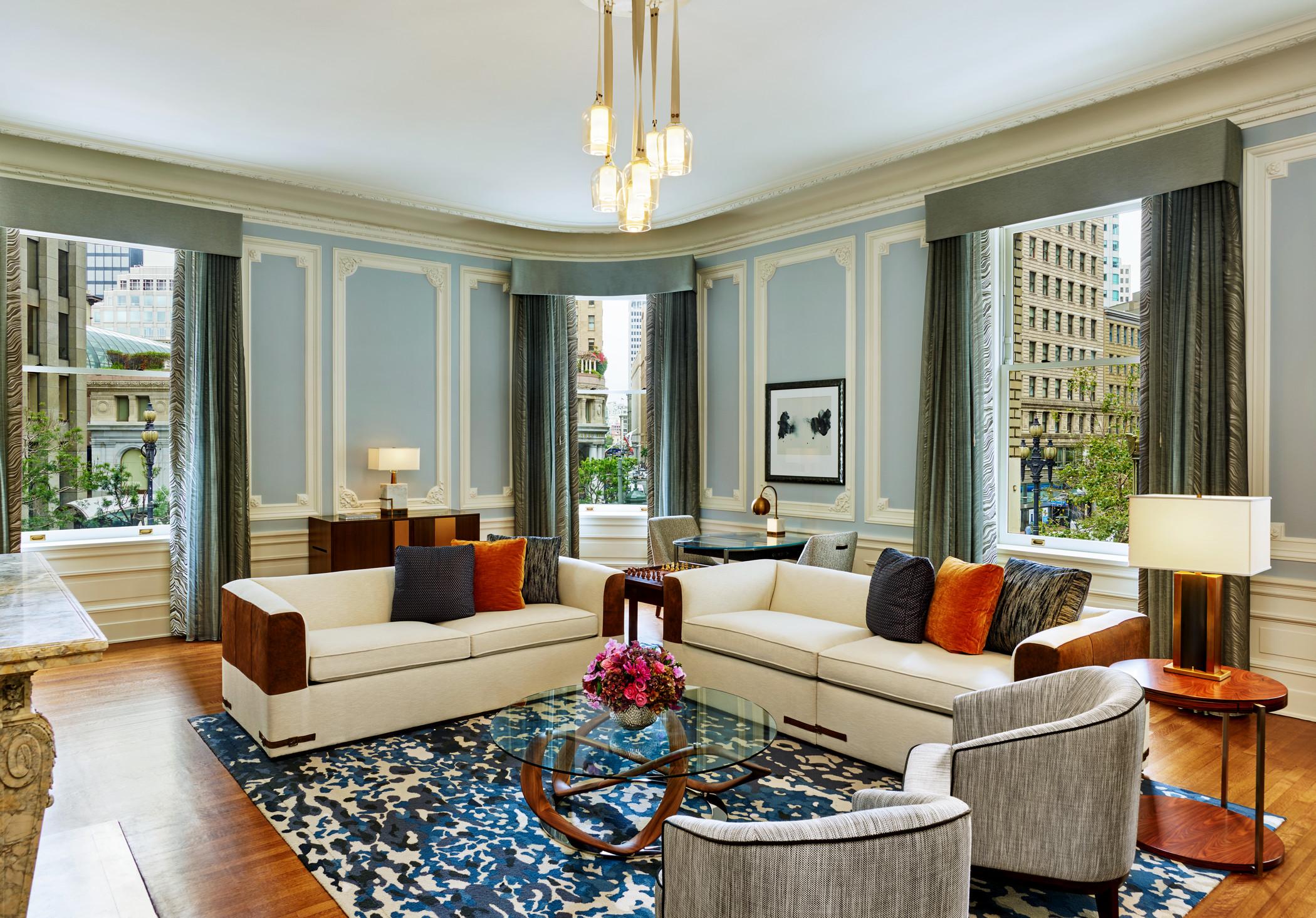 lux373gr-179306-State Suite Living Room.jpg