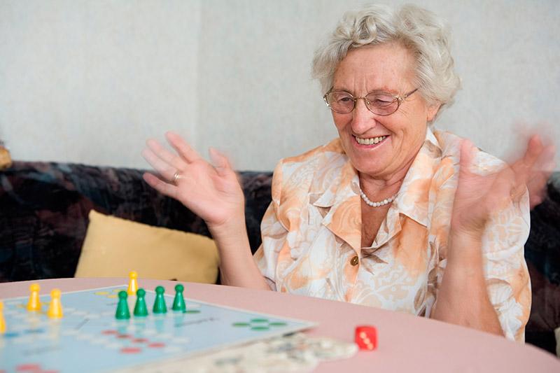 Mejorar la autoestima de una persona mayor: 5 claves para ...