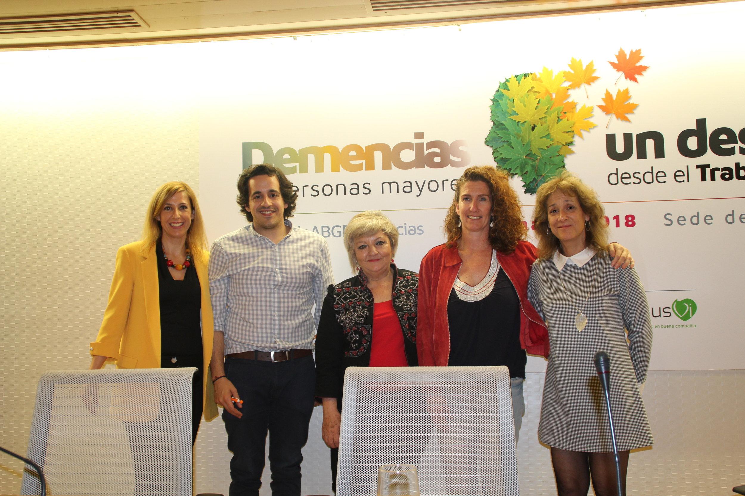 De izquierda a derecha: Silvia Sierra, Rubén Yusta, Carmén Balfagón, Marta Candel y Teresa Merlo.