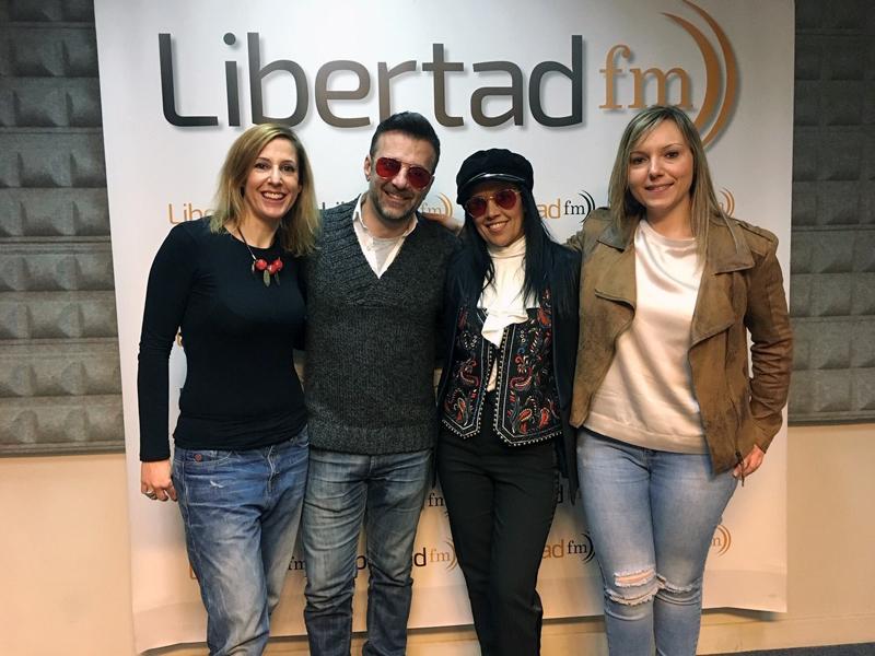 6. silvia sara y amistades radio libertad.jpg