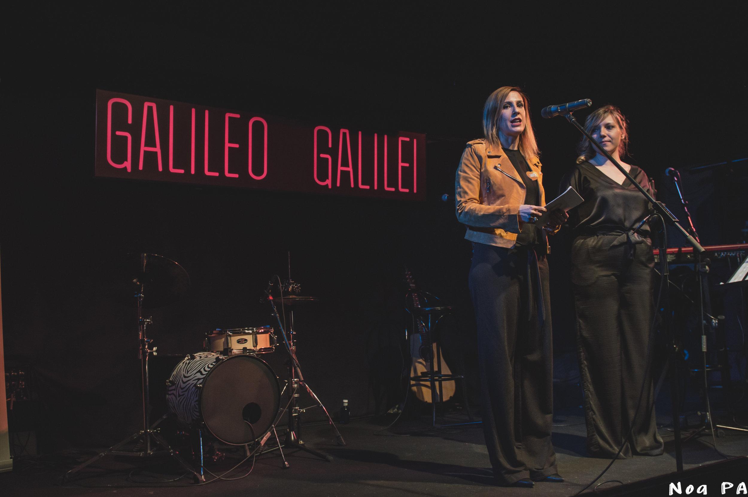 Silvia Sierra y Sara Navarro presentan la Gala.