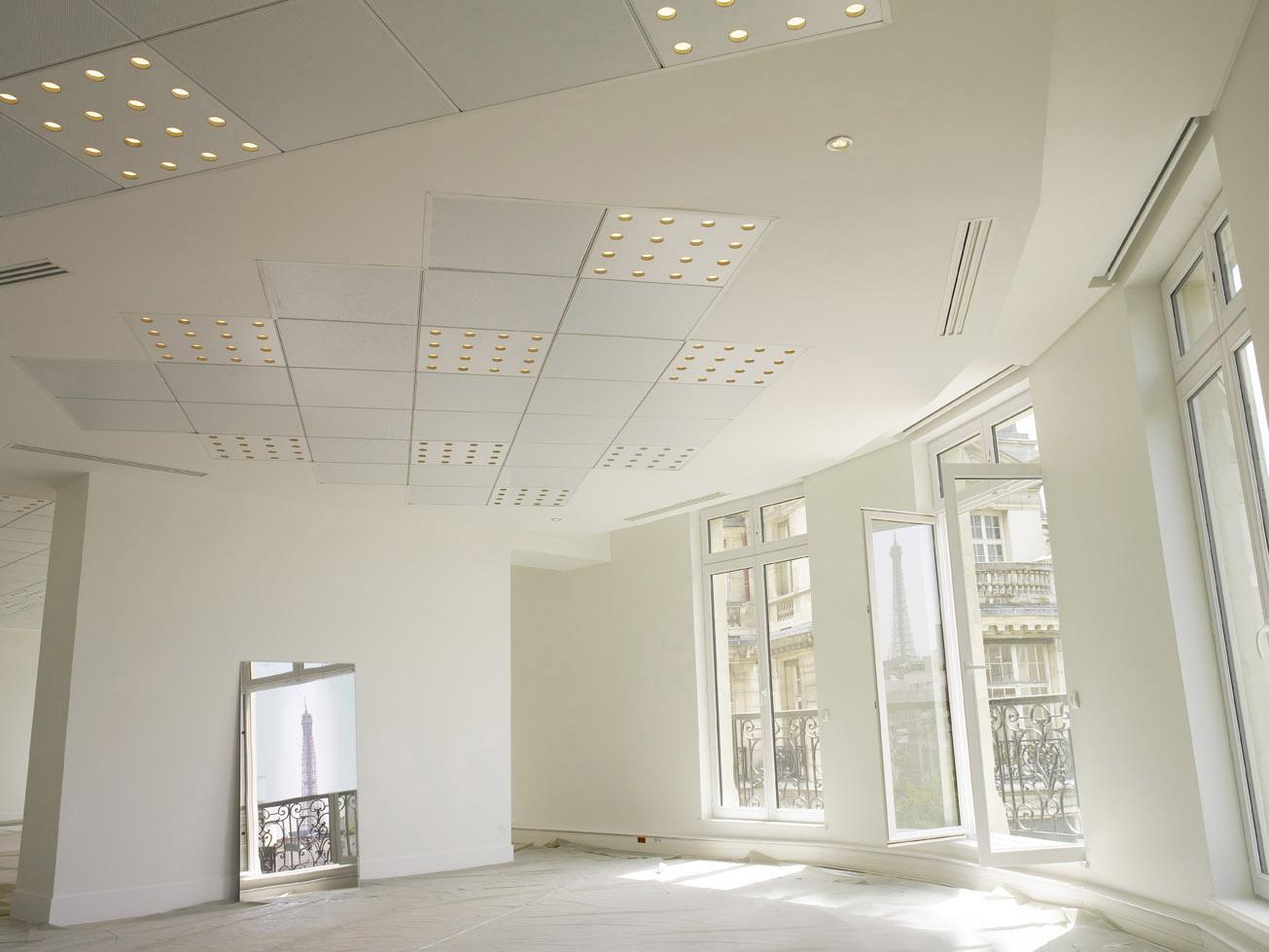 LED in office in Paris