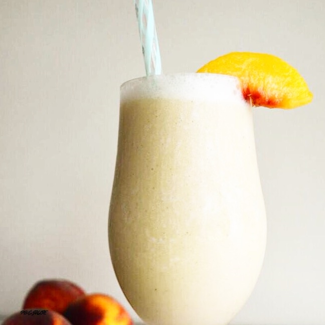 Drink to summer with this probiotic-rich, flat belly fuzzy navel smoothie. Cheers!