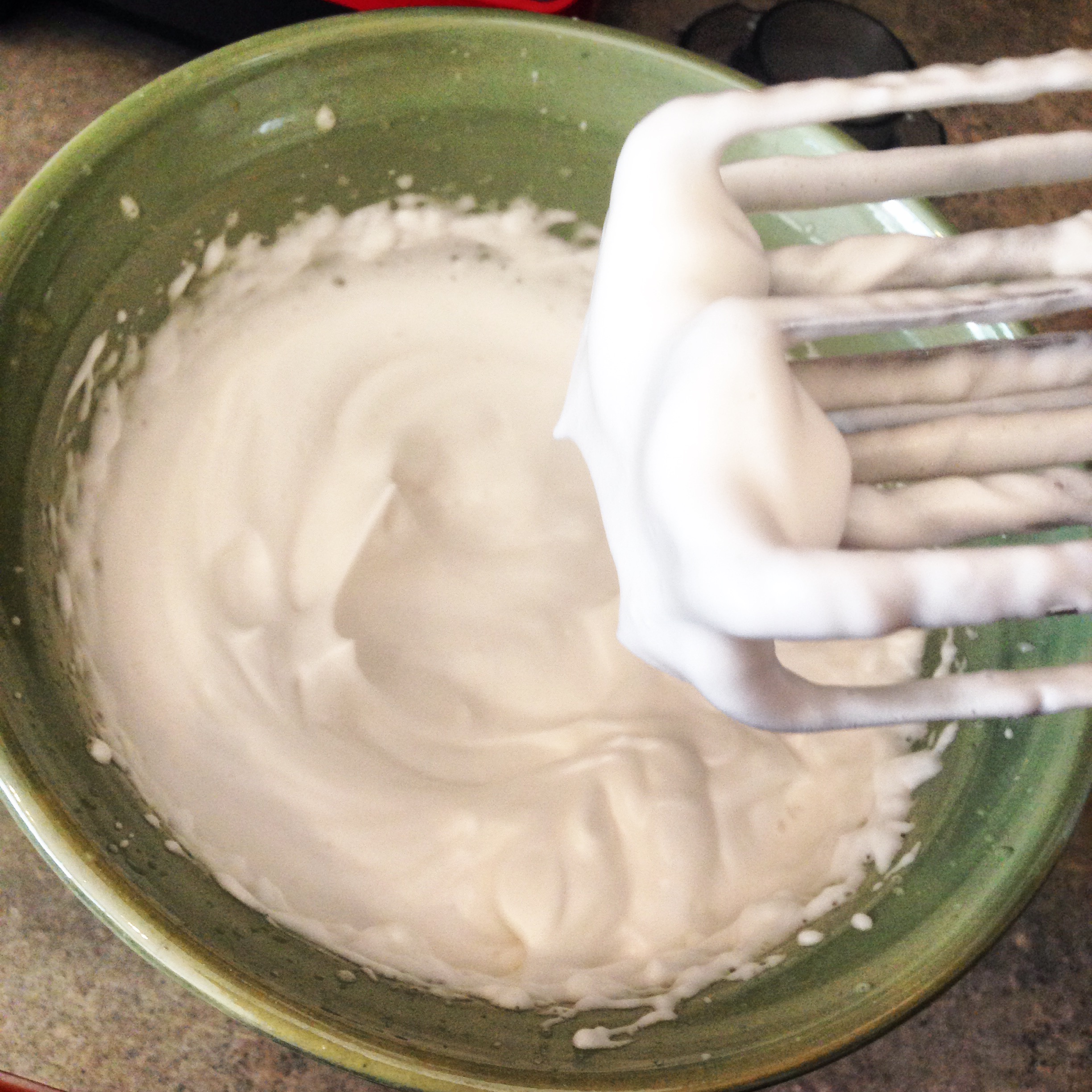 Vegan marshmallow fluff with just 2, maybe 3, ingredients?! I die! So good!