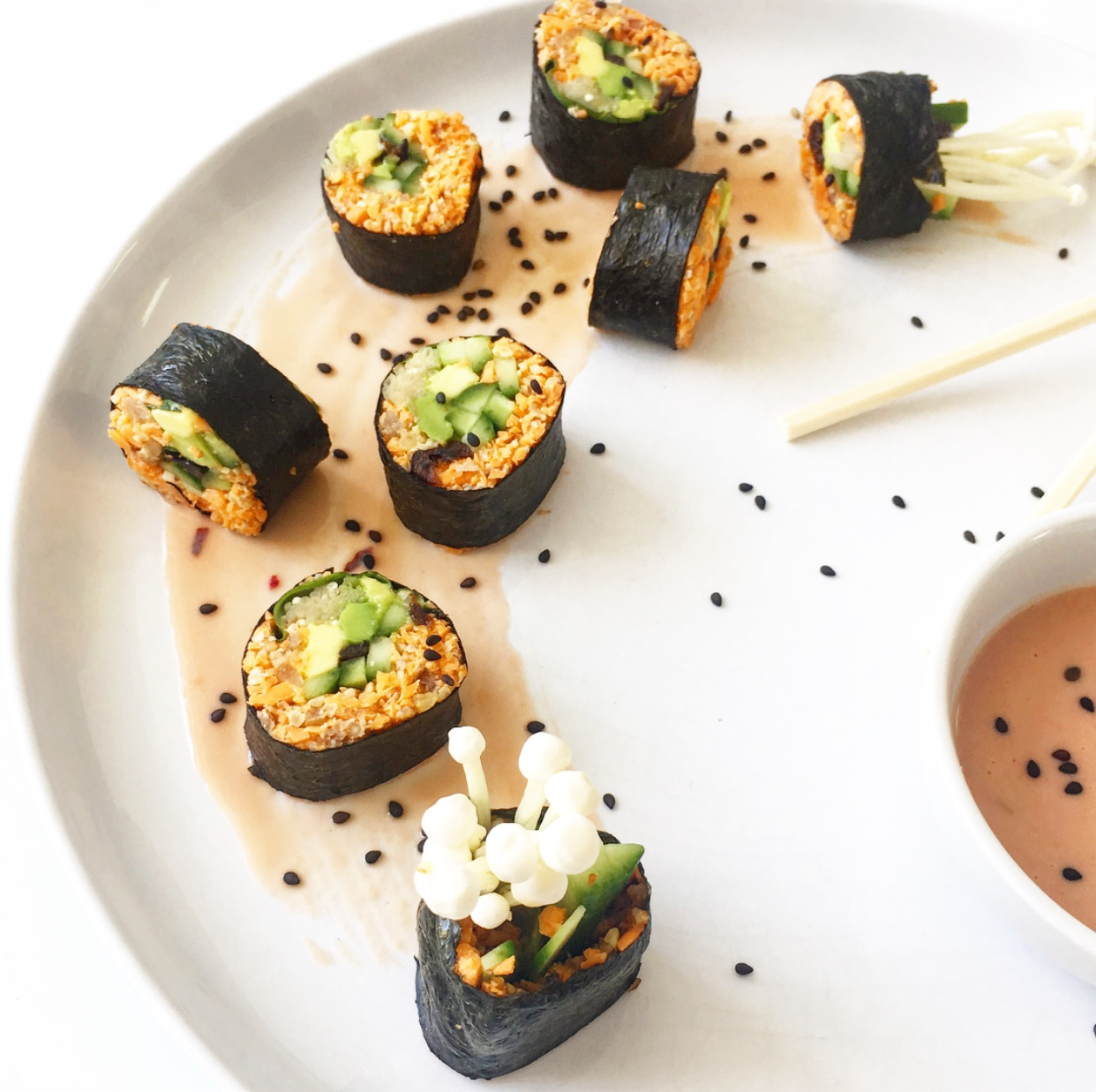 This raw vegan paleo Thanksgiving sushi is sure to add some extra fun to your holiday spread