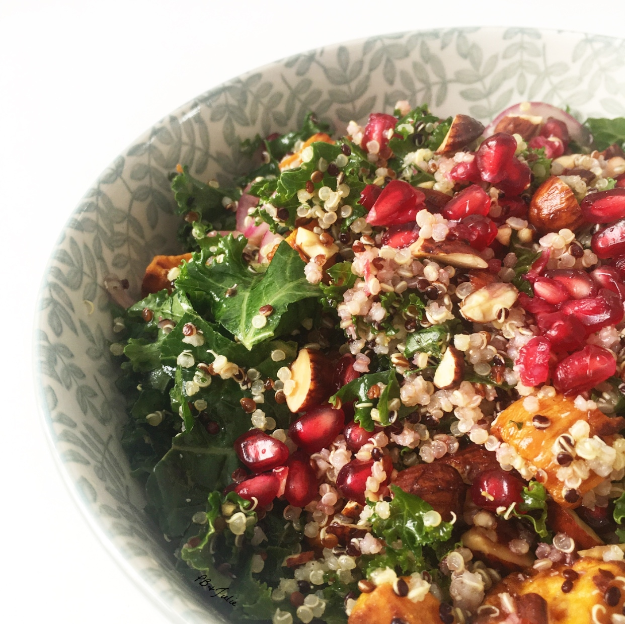 Sweet potato, kale & quinoa summer salad. Get transported to the iconic Shelly Beach in Manly, Australia with each tantalizing fork full. Gluten free and vegan :)