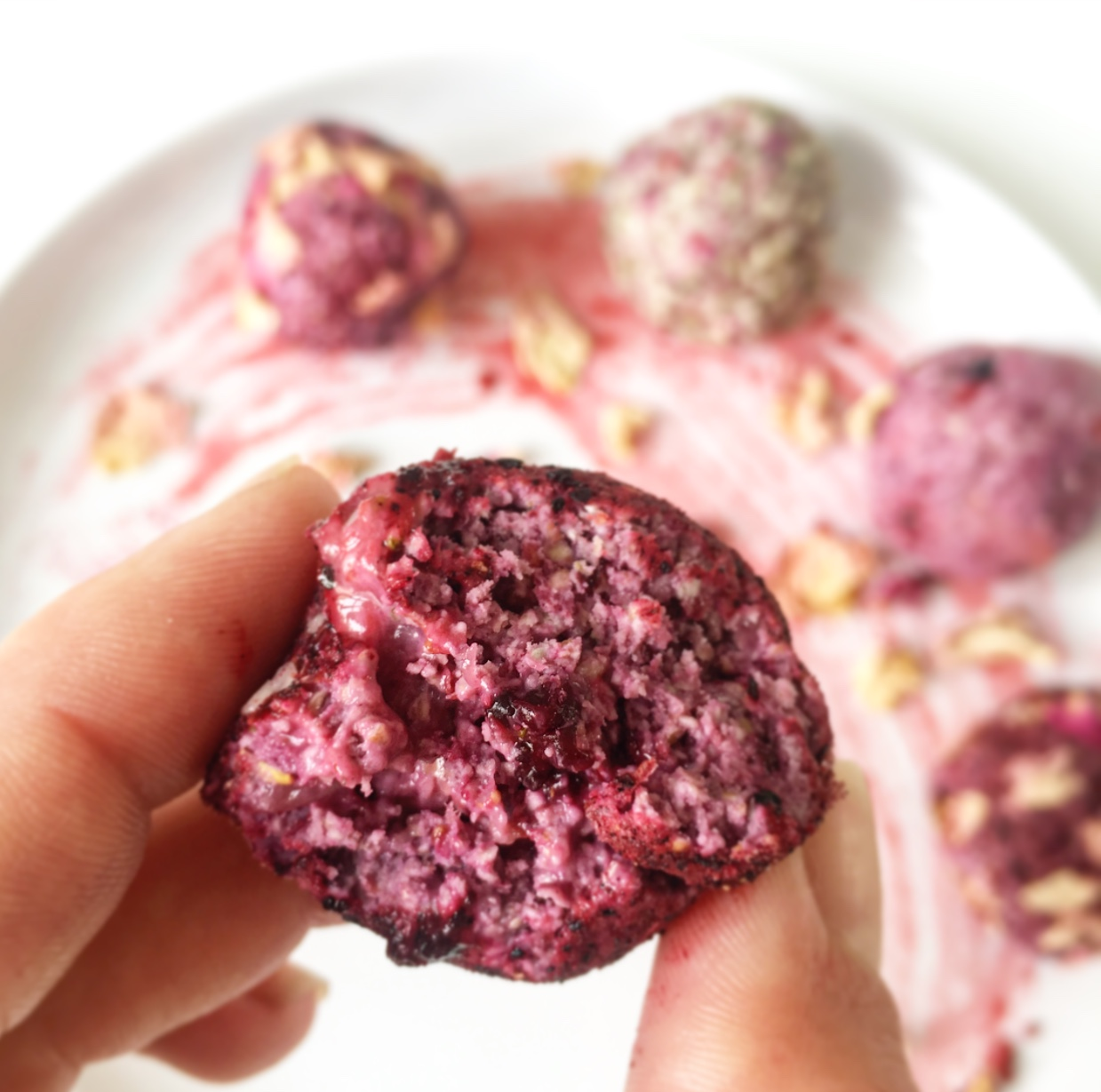 5-ingredient Berry Bliss Ball ready for its close-up. #sodreamy