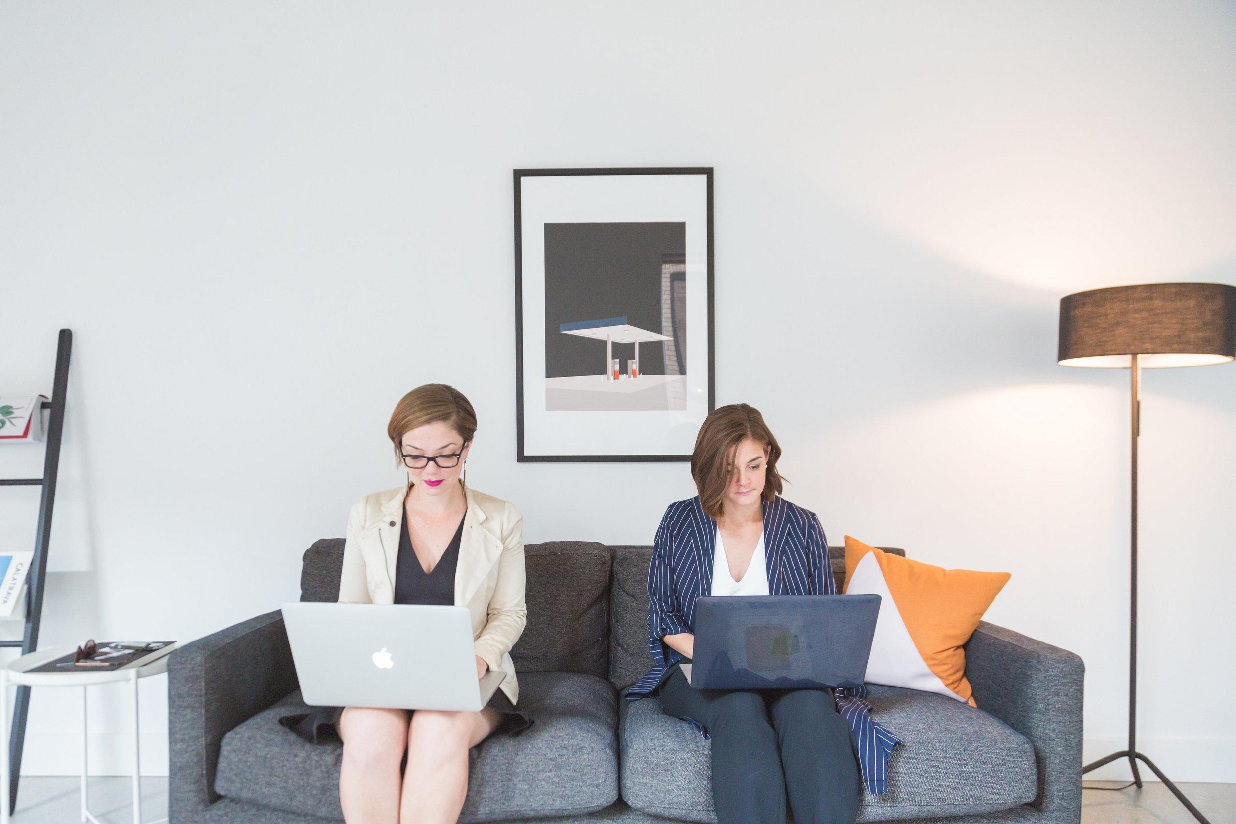 business-women-in-modern-office_4460x4460.jpg