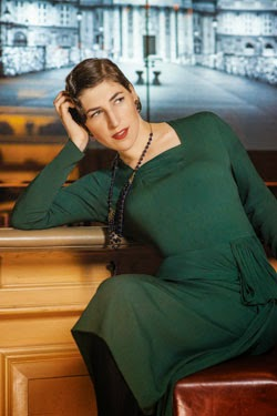 mayim_green-dress.jpg