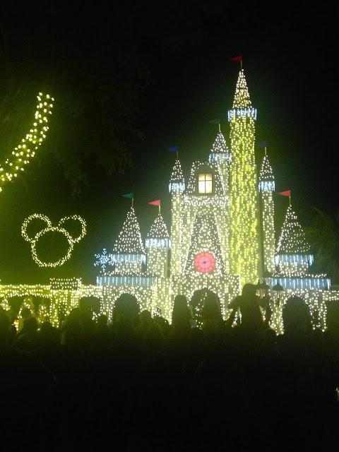 christmas-castle-miami-fashionado