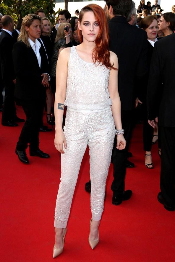 Kristen-Stewart-Vogue-27May14-Rex_b_592x888.jpg