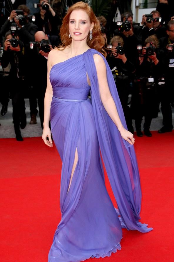 Jessica-Chastain-Vogue-20May14-Rex_b_592x888.jpg