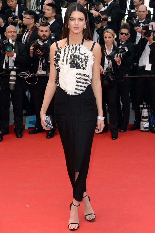 Kendall-Jenner-Vogue-15May14-PA_b_592x888.jpg