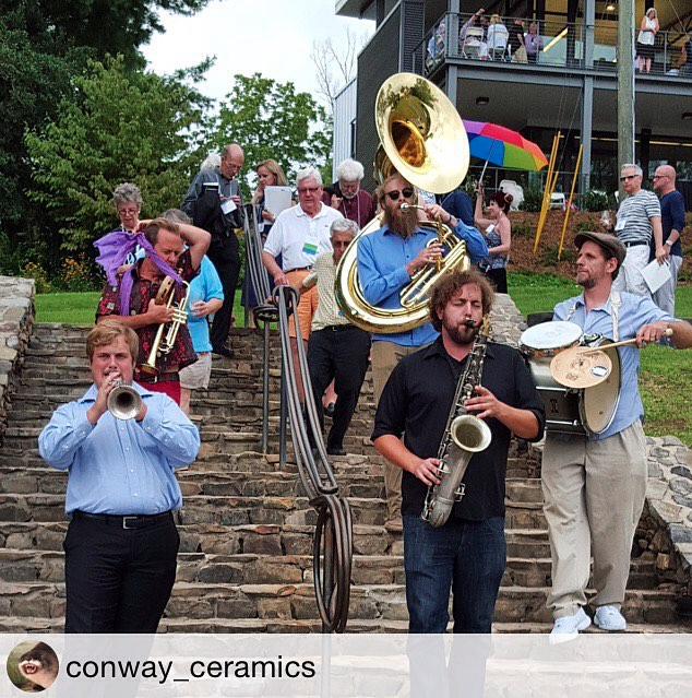 A genius musical march to help move guests to the tent.  Repost: Penland's Instagram