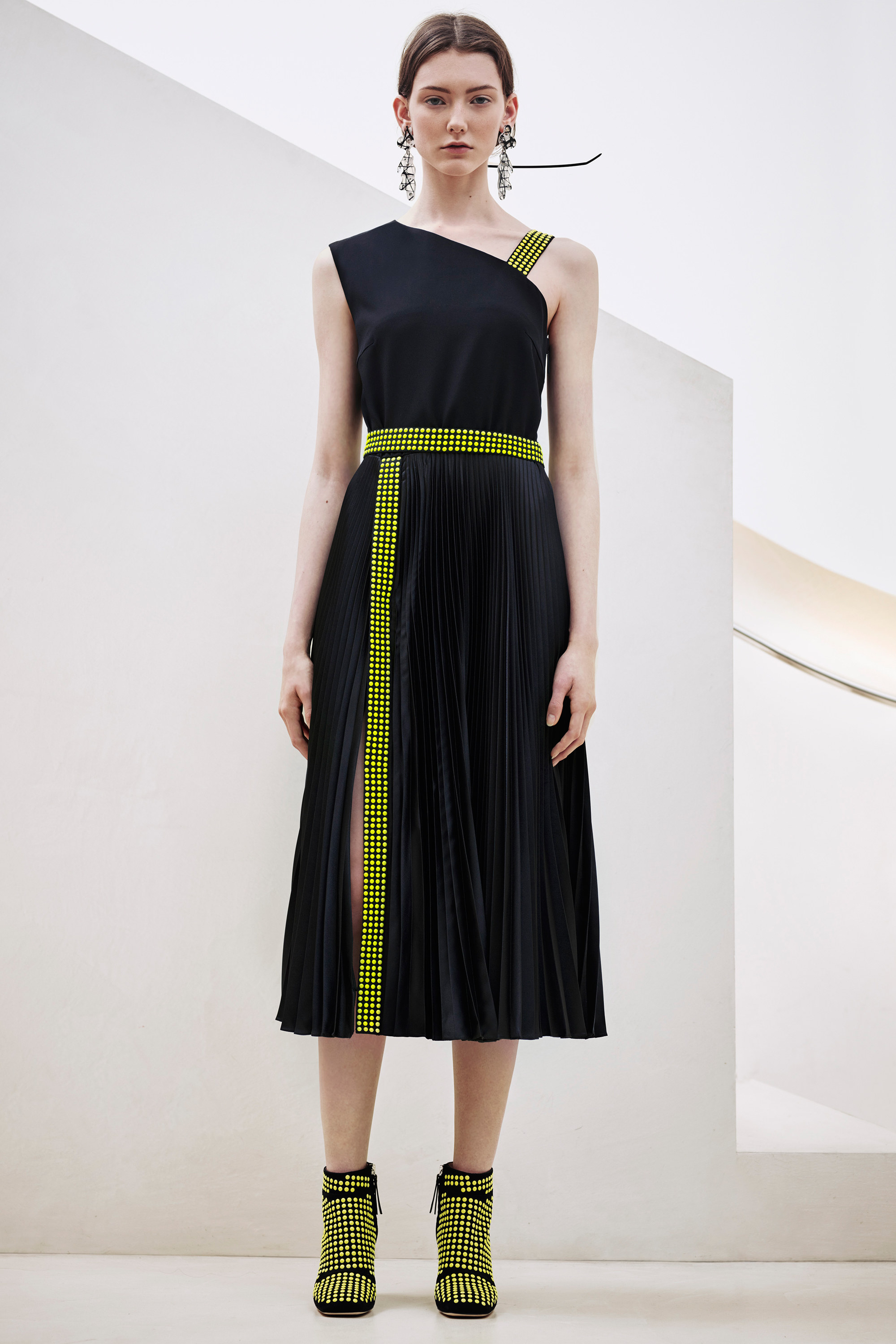 christopher-kane-pre-fall-2016-lookbook-25.jpg