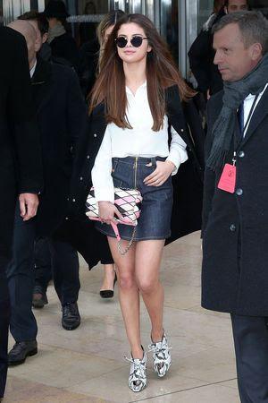 Selena Gomez in KREWE du Optic St. Louis Frames, $235
