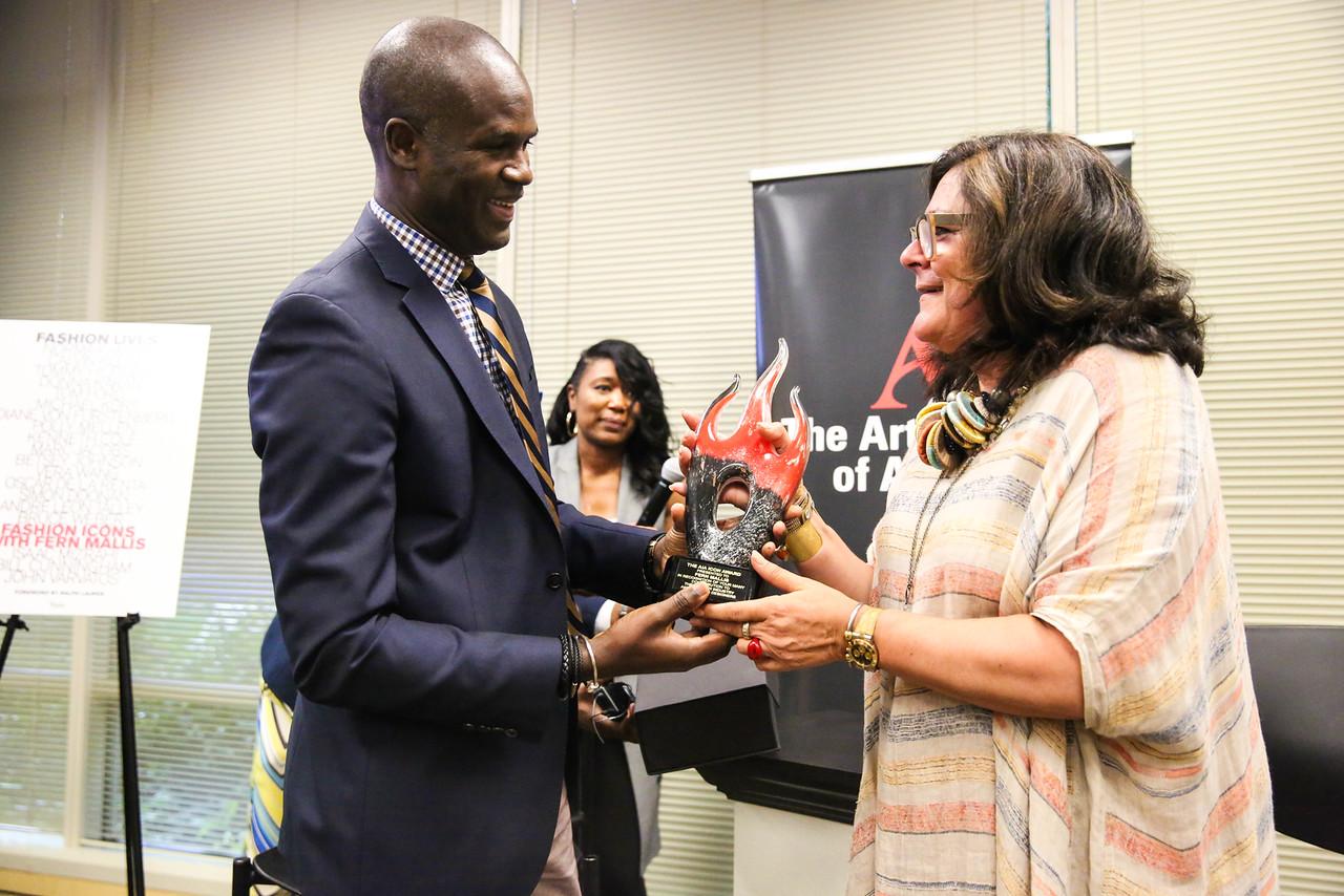 President Myvett awarded Fern Mallis with the Art Institute's Fashion Icon Award.