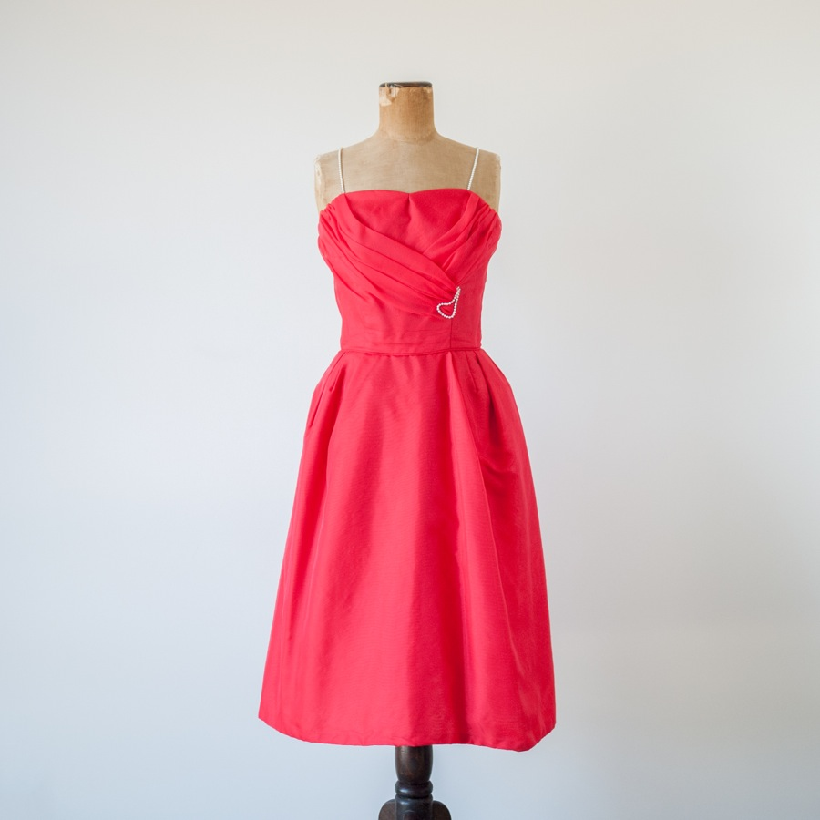 Red_chiffon_dress_by_Emma_Domb.jpg