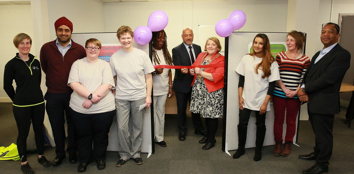 The Lord Mayor of Leeds, Cllr Jane Dowson (centre right), cuts the ribbon at the new incubator, supported by Unity Homes and Enterprise chief executive Ali Akbor (centre) and iota Business co-founder Cristine Wilson (centre left)