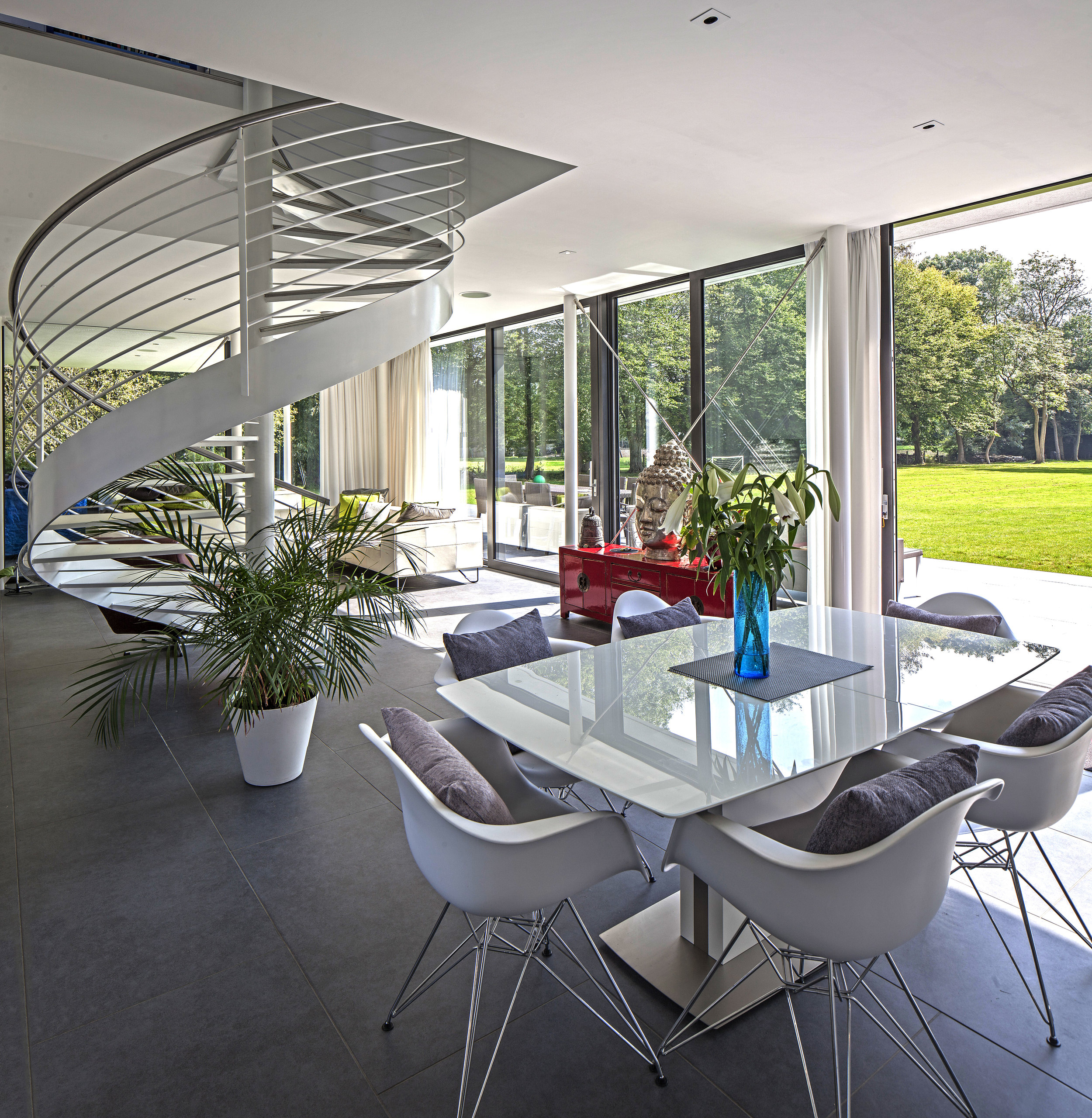 Modern Contemporary Architect Esher Surrey House Spiral Staircase