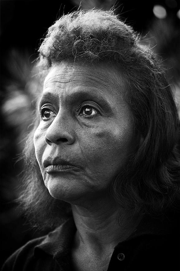 """Esos Ojos""   Retrato de Doña Nubia por Leo Carvajal. Inspiración para  ""Esos Ojos"" de Patiño Quintana ."