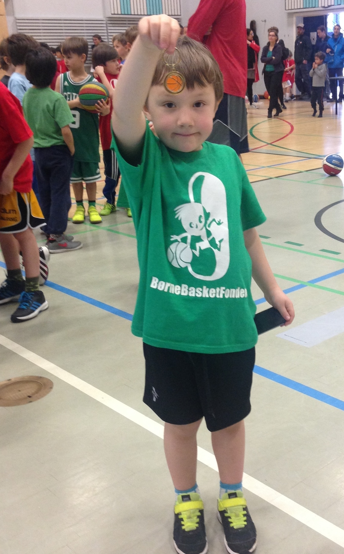 SFO basket Dreng med teknikmærke.jpg